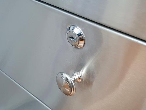 Tủ inox 3 ngăn có bánh xe